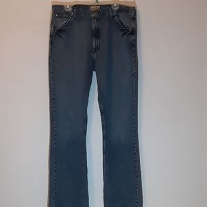 Mens Wrangler 20X Cotton Relaxed Bootcut Jeans.